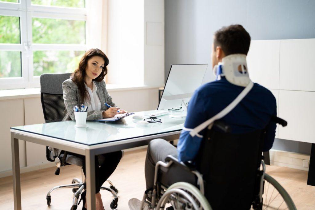 ¿Cuánto vale mi caso de accidente de trabajo si me causó una incapacidad?